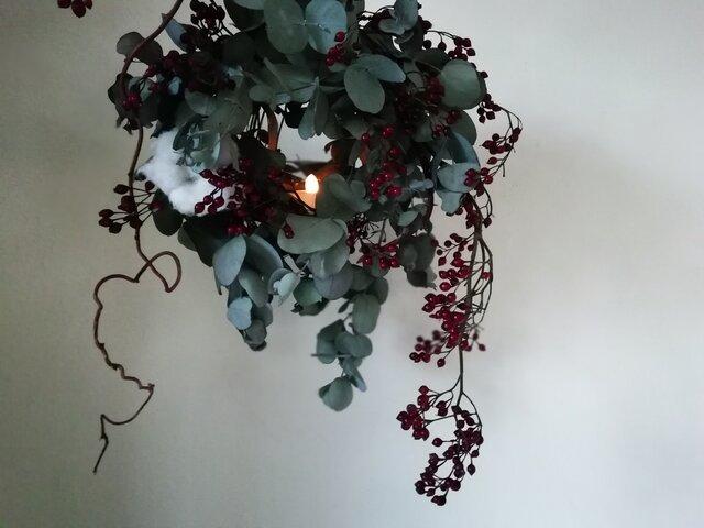 野バラの実とユーカリのキャンドルリースの画像1枚目