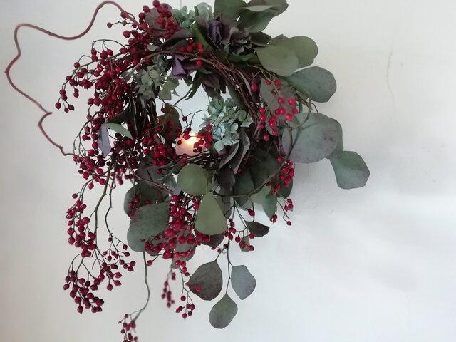 野バラの実とポポラスのキャンドルリースの画像1枚目