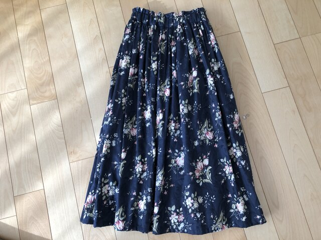 【SALE】チューリップの花ジャガードスカート(ネイビー)の画像1枚目