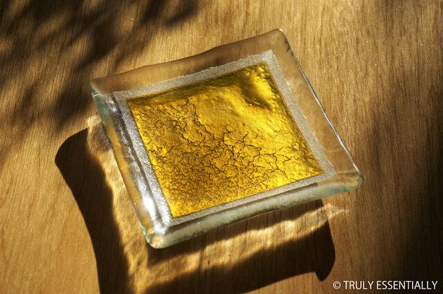 ガラスの角皿 -「 金色のガラス 」・11cm角の画像1枚目