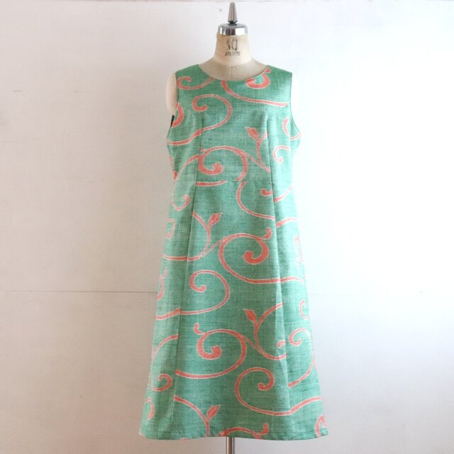 絹紬 緑唐草 ジャンパースカート Mサイズの画像1枚目