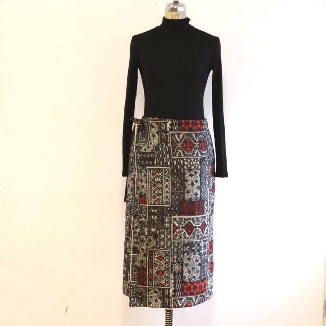 絹 タイル 巻スカート風ロングスカート 銘仙 MLサイズの画像1枚目
