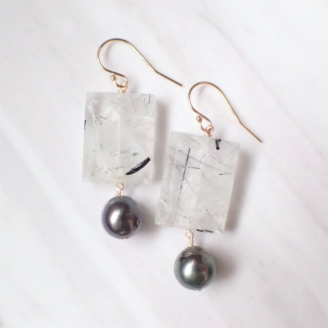 K14GF black rutiled quartz & tahitian pearl pierceの画像1枚目
