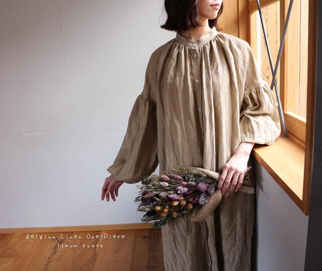 ○心地良く優しいリネン服○くったりベルギーリネンで魅せる、ボリュームいっぱい袖のギャザーシャツワンピース (ベージュ)の画像1枚目