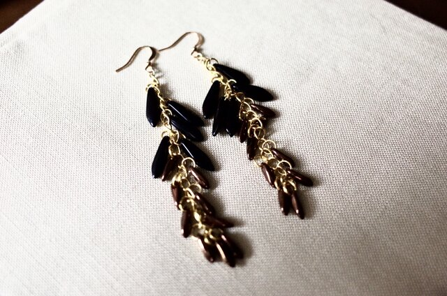 Black and glitter brown beads long ピアスの画像1枚目