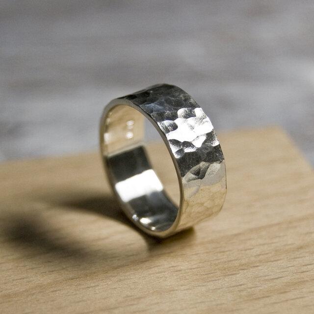 鎚目 シルバーフラットリング 7.0mm幅 テクスチャー シルバー950|SILVER RING 指輪 シンプル|209の画像1枚目
