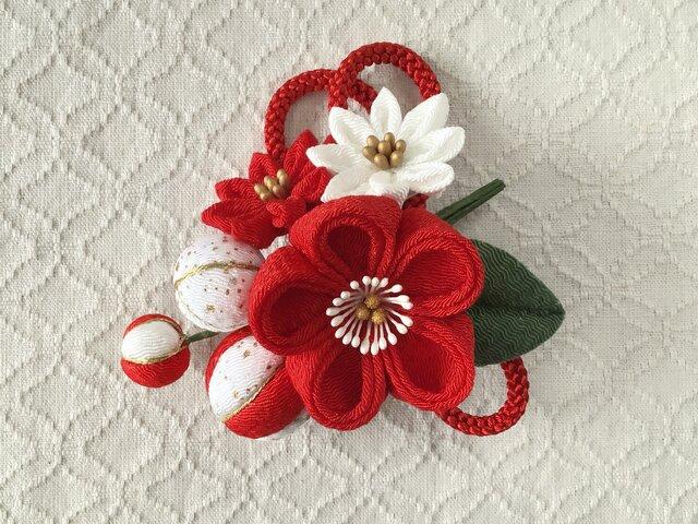 〈つまみ細工〉梅中輪と小菊とちりめん玉の髪飾り(赤)の画像1枚目