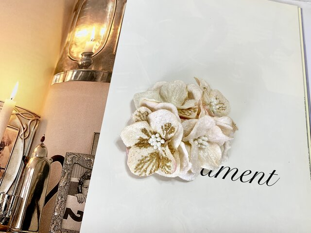 上品な紫陽花のコサージュ *卒業式*入学式*結婚式の画像1枚目