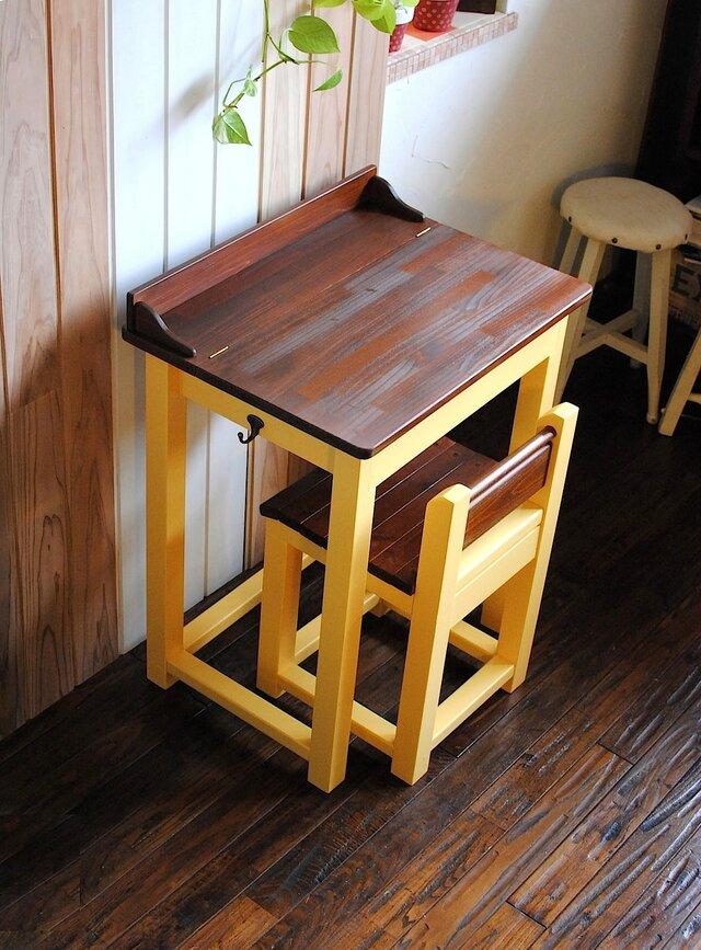 ☆かわいいパタパタ机と引出し付きの椅子セット★レモンイエロー&オークカラーの画像1枚目