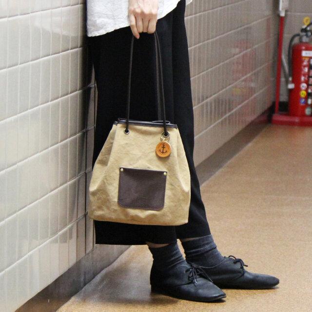 nico-タン(タンニン染め帆布×レザー巾着トートバッグ)の画像1枚目