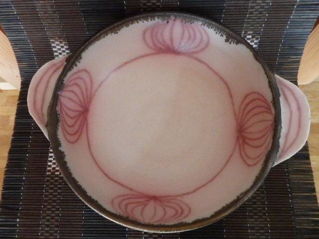 陶芸 ピンク釉と銅釉の手付きシチュー皿 ②の画像1枚目