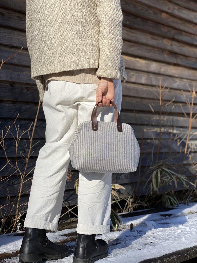 Boston bag S size [Växbo Lin]  Sweden 青と生成りのストライプの画像1枚目