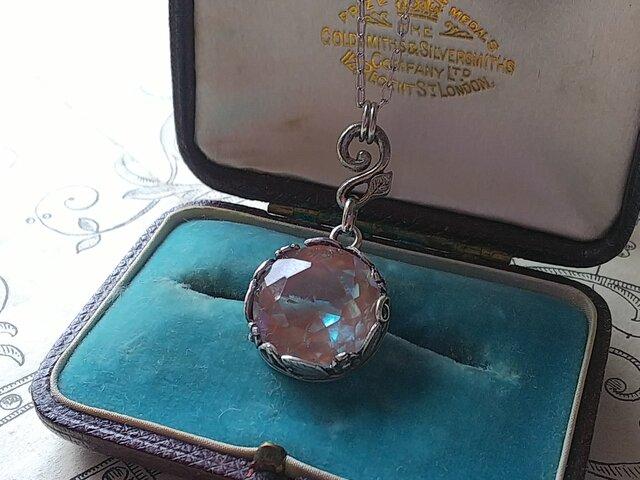 Antiqueサフィレット 大粒(14㎜) silver花葉クラシカルネックレスの画像1枚目