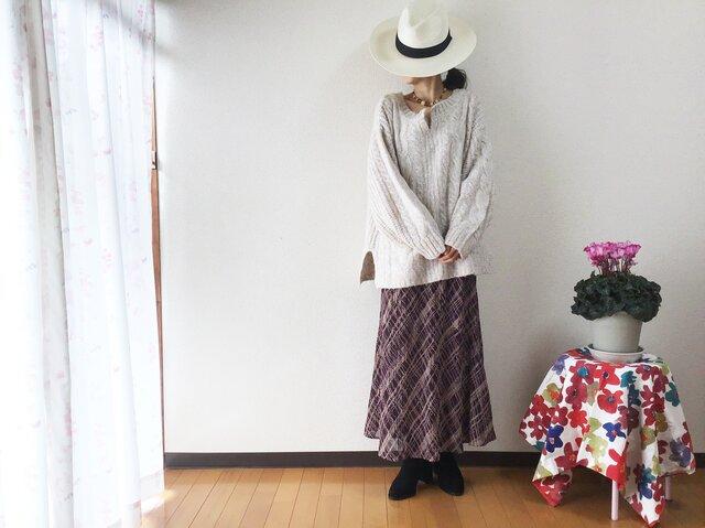 ひらりと揺れるロング丈スカートの画像1枚目