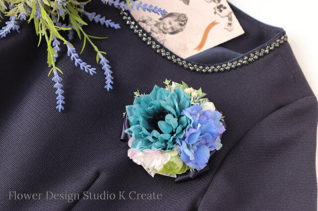 結婚式・卒業式・入学式に♡ダリアとデルフィニュウムのコサージュ(ヘッドドレス可) コサージュ ヘアクリップ 青緑 フォーマルの画像1枚目