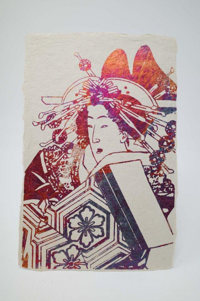 ギルディング和紙葉書 浮世絵女 赤混合箔の画像1枚目