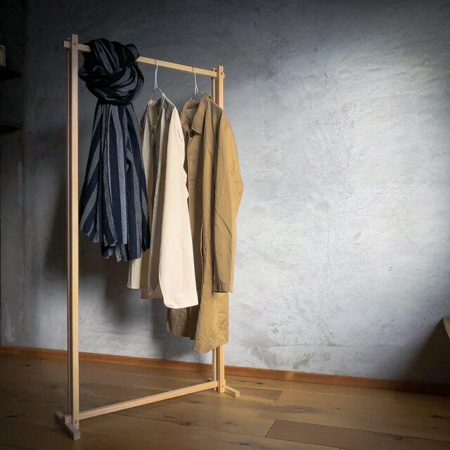 木組みで製作 ハンガーラック 自然塗料 ハンガーパイプ、服掛け、桧、松の画像1枚目