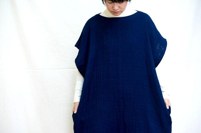 藍染チュニックワンピース 両脇ポケット付きの画像1枚目
