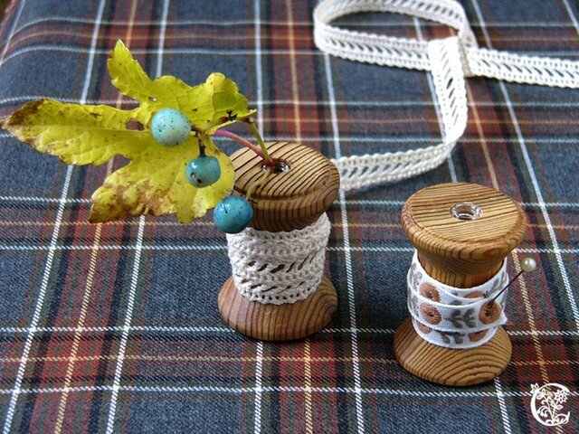 木製糸巻きの一輪挿し-bloom bobbinの画像1枚目