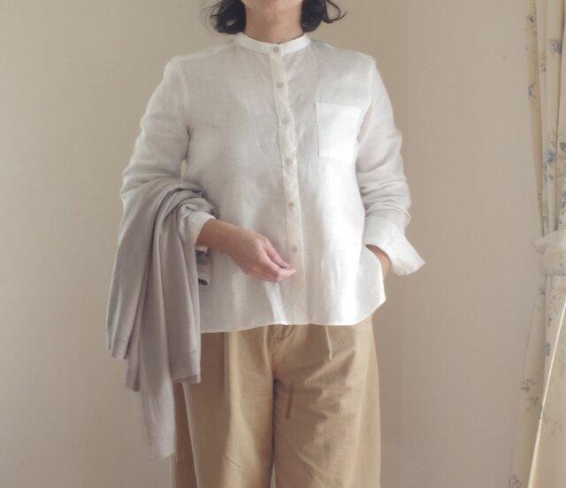 M~LL 白いリネンのバンドカラーシャツの画像1枚目