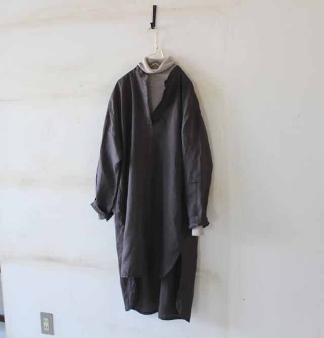 【今春NEW】SALE*後ギャザーのゆったりプルオーバーシャツ*フレンチリネンの画像1枚目