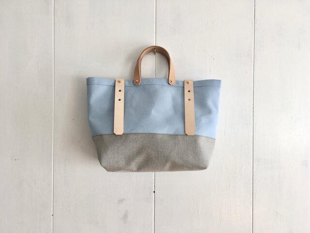 【受注製作】ヌメ革持ち手 アクアブルーと薄灰色の鞄の画像1枚目