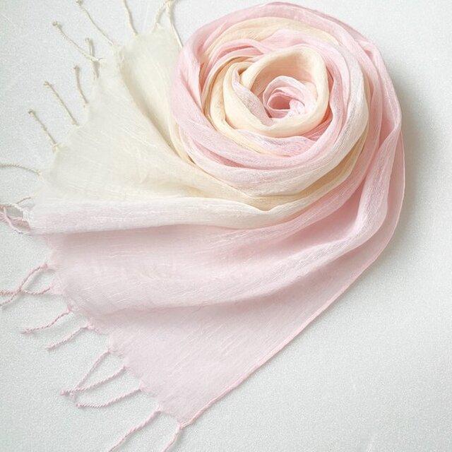 かろやかコットンシルク*薄桜色×淡黄色*手染めのストールの画像1枚目