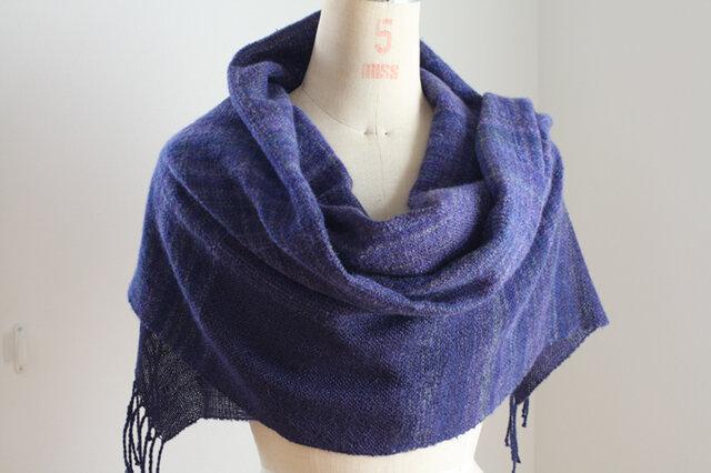 手織り 濃紺とぼかしのストールの画像1枚目