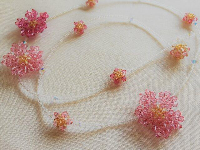 【スワロフスキー・クリスタル】ロングネックレス『満開桜』の画像1枚目