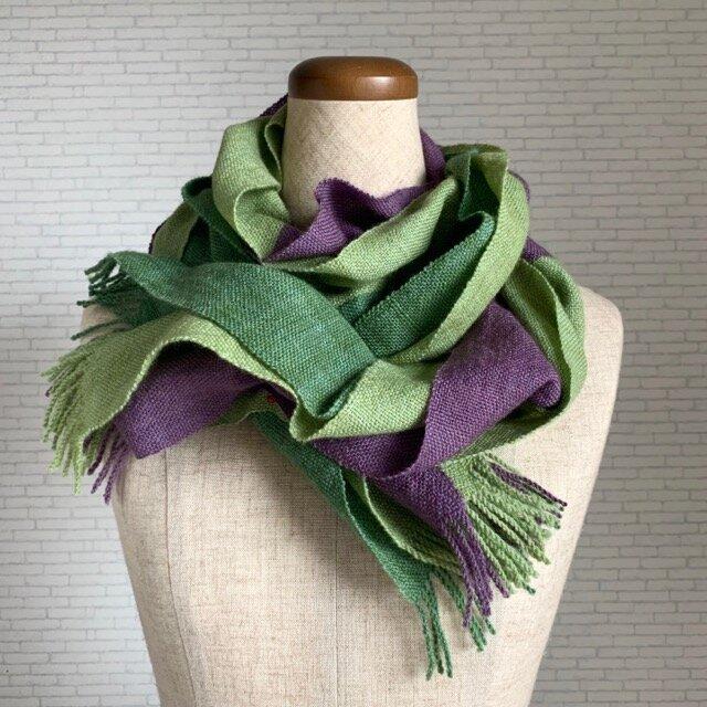 手織りストール 萌黄色×江戸紫の画像1枚目