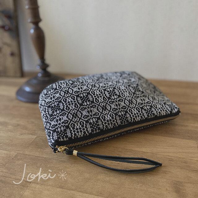 pouch[手織りポーチ] ブラック×シルバグレーの画像1枚目