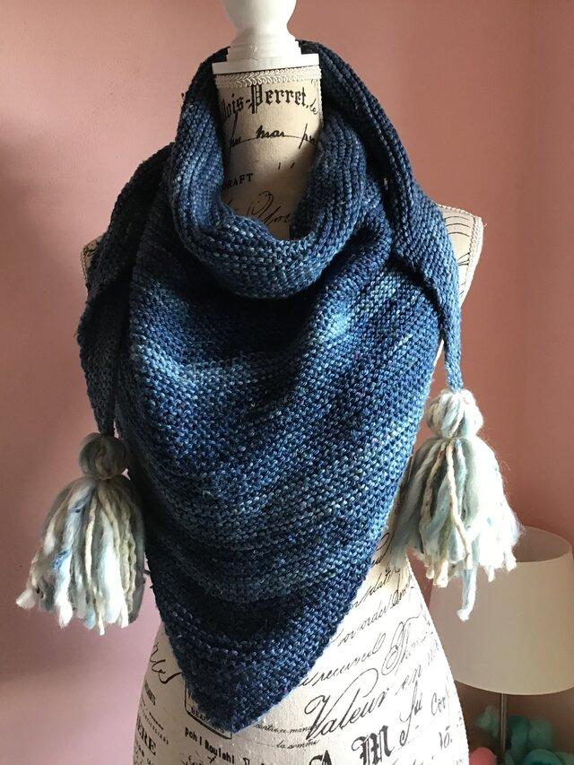 インディゴ染め 手編みのストールの画像1枚目