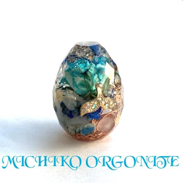 強運ホエールテール 青いバラ カット卵型 ポジティブ 霊性 浄化 金運 幸運メモリーオイル、ケオン入 オルゴナイトの画像1枚目