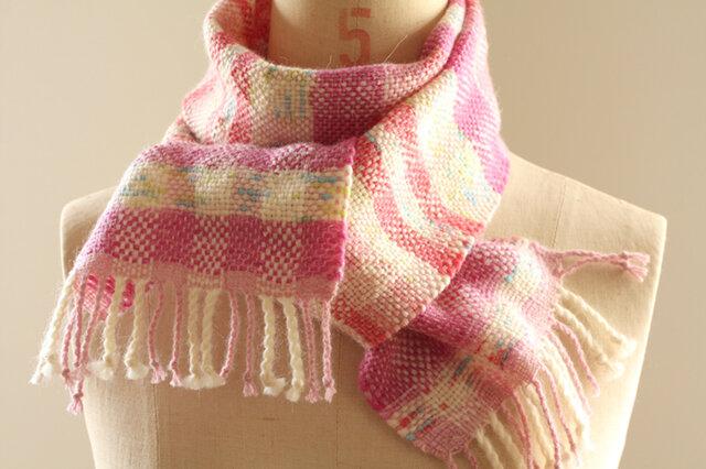 手織り かすり染め糸のミニマフラー(ピンク)の画像1枚目