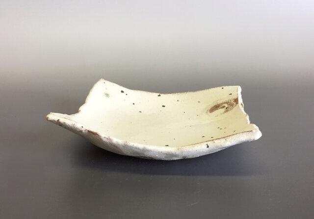 粉引平小角鉢の画像1枚目