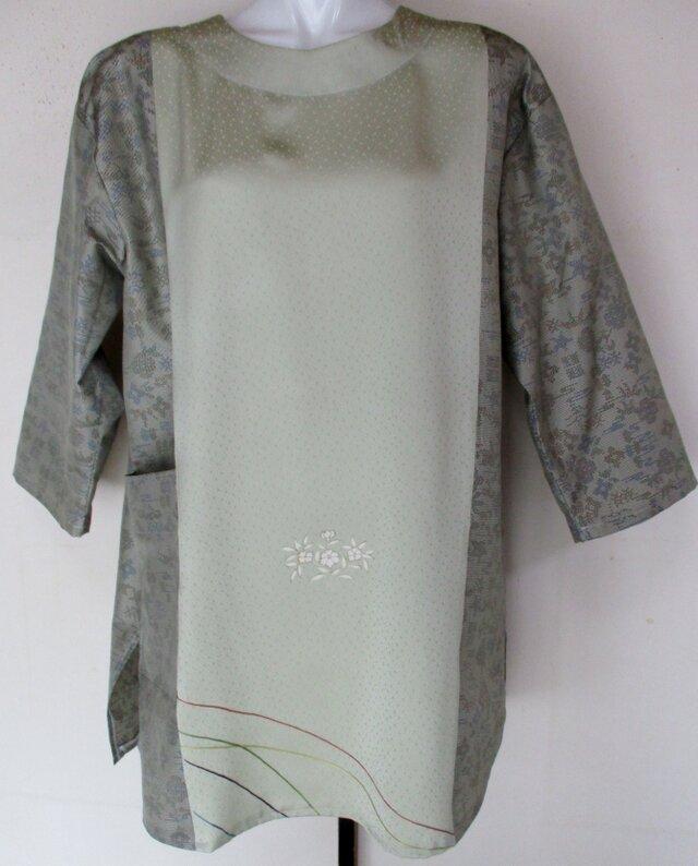 4751 花柄の着物と色大島紬で作ったプルーオーバー #送料無料の画像1枚目