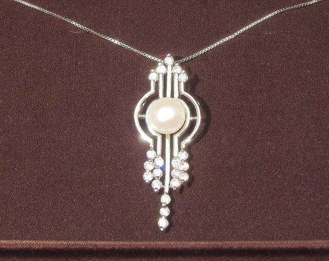 9.5mm本真珠(淡水)のトップとSV925製スライド式チェーンのネックレス(ロジウム、キュービックジルコニア)の画像1枚目