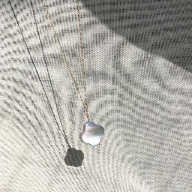 【K14GF】Gray Purple Shell~Flower Necklaceの画像1枚目