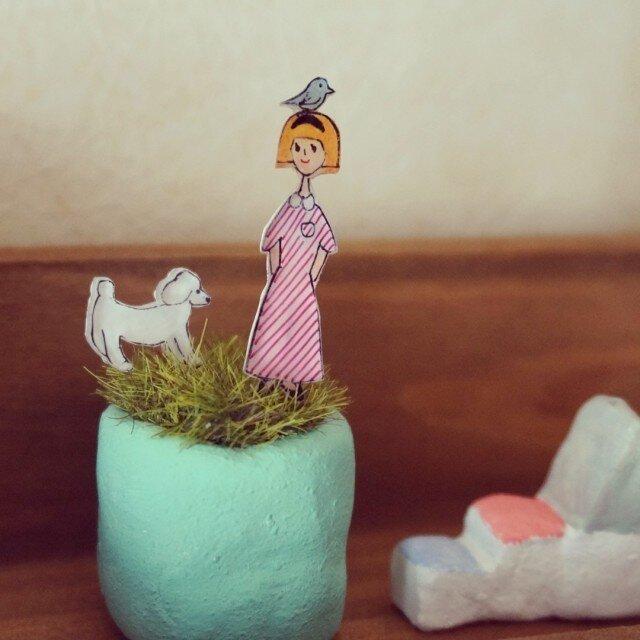 お庭ピック・女の子とプードル…他2点の画像1枚目