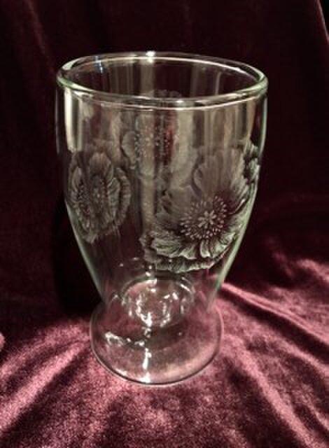 ポピーを浮かべた二重グラス〜手彫りガラス〜の画像1枚目