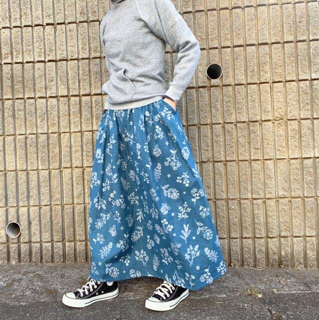 ステッチ刺繍調 草花柄のロングスカート*ダブルガーゼ*マキシ丈*コットン100%の画像1枚目