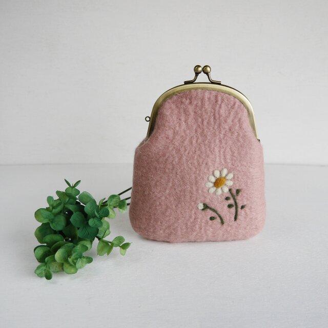 小花柄のフェルトがま口 ピーチピンク色*受注制作*の画像1枚目