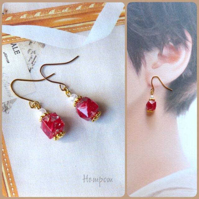 真っ赤な宝石のピアス ホムポムの画像1枚目