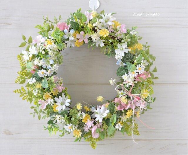 草原にゆれる小花のリース :母の日 ギフト ピンク 白 黄色 リボンの画像1枚目