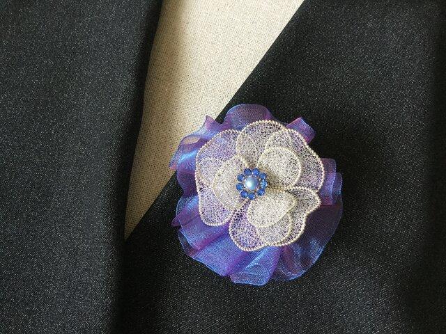 シルバーのお花のブローチ(パープルオーガンジーリボン付)の画像1枚目