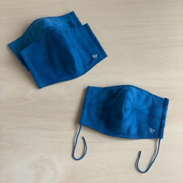 藍染め布の立体型マスクの画像1枚目