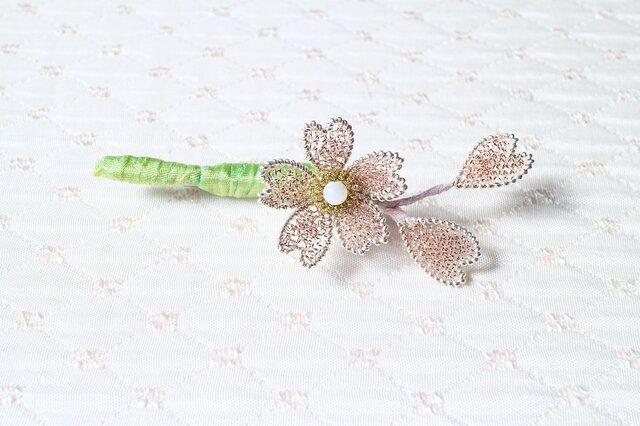 桜のブローチBの画像1枚目