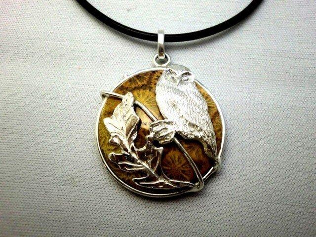 化石フクロウペンダントの画像1枚目