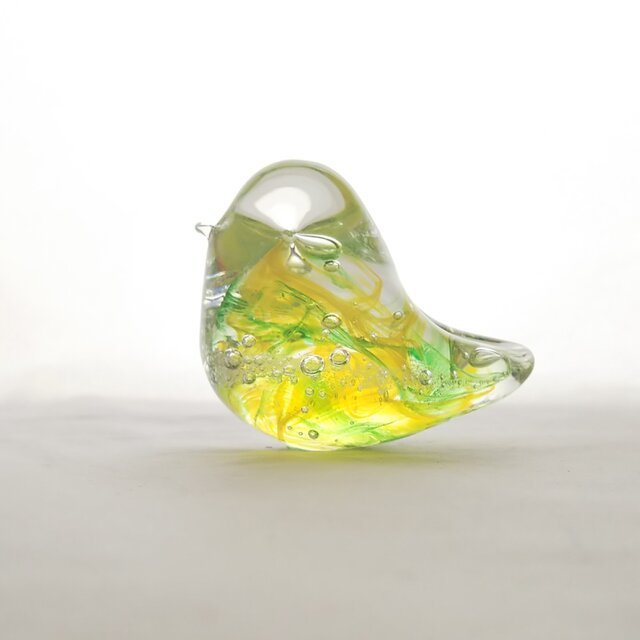 H様ご予約品☆グリーンイエローのガラスの鳥✱ご注文前に在庫の有無をお問い合わせ下さいの画像1枚目