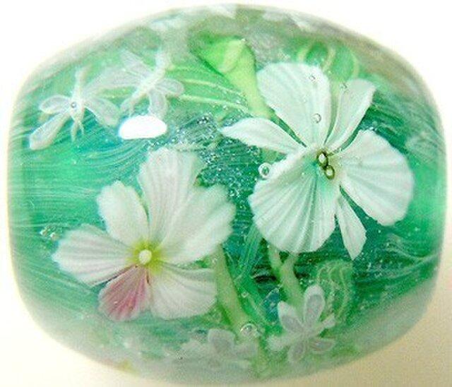 とんぼ玉 3色の蘭の花とカゲロウの画像1枚目